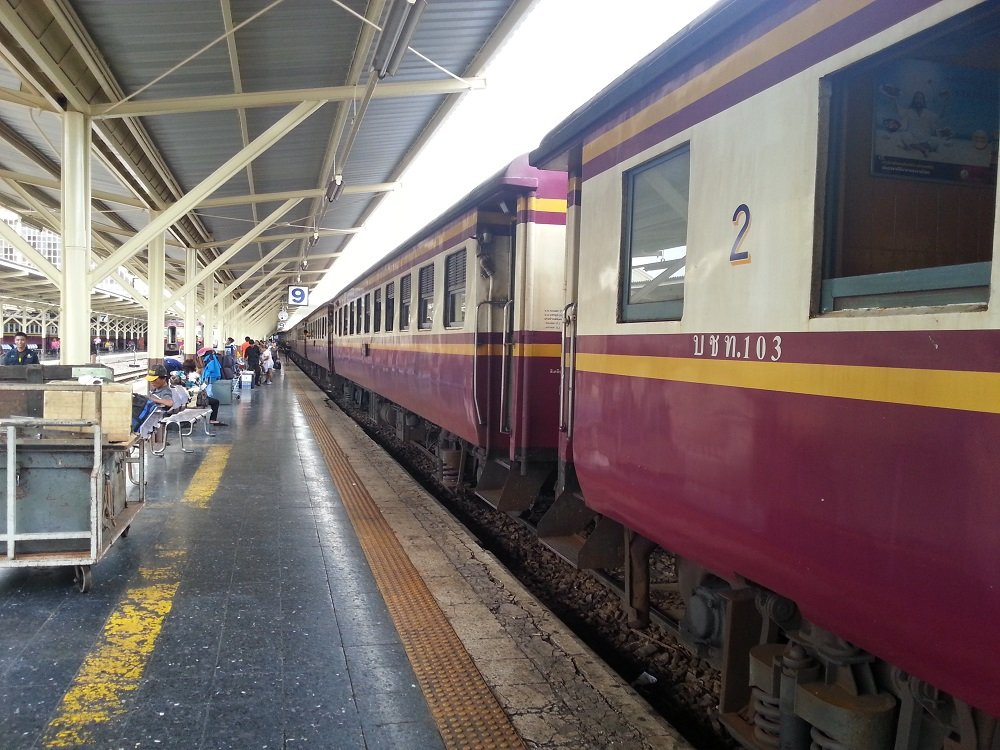 15.35 Train to Surat-Thani at Bangkok Train Station