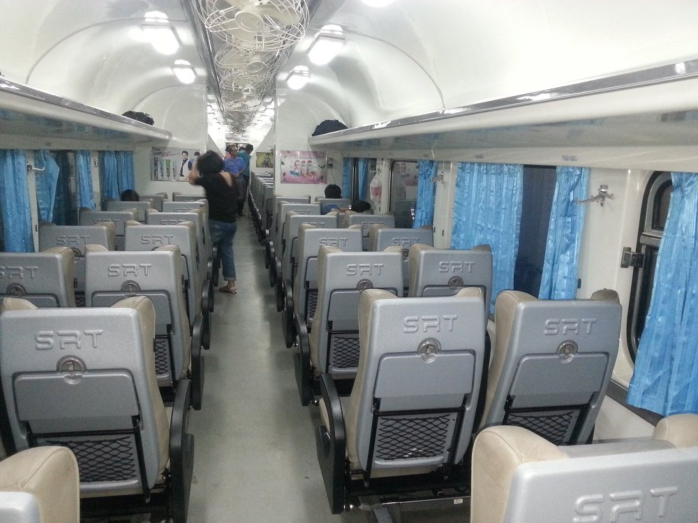 2nd Class Air Conditioned Seats on the 22.50 Train to Surat Thani